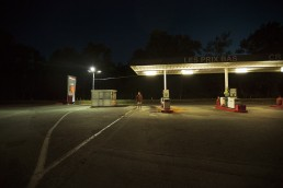 Photographie nuit Albertville Savoie station essence